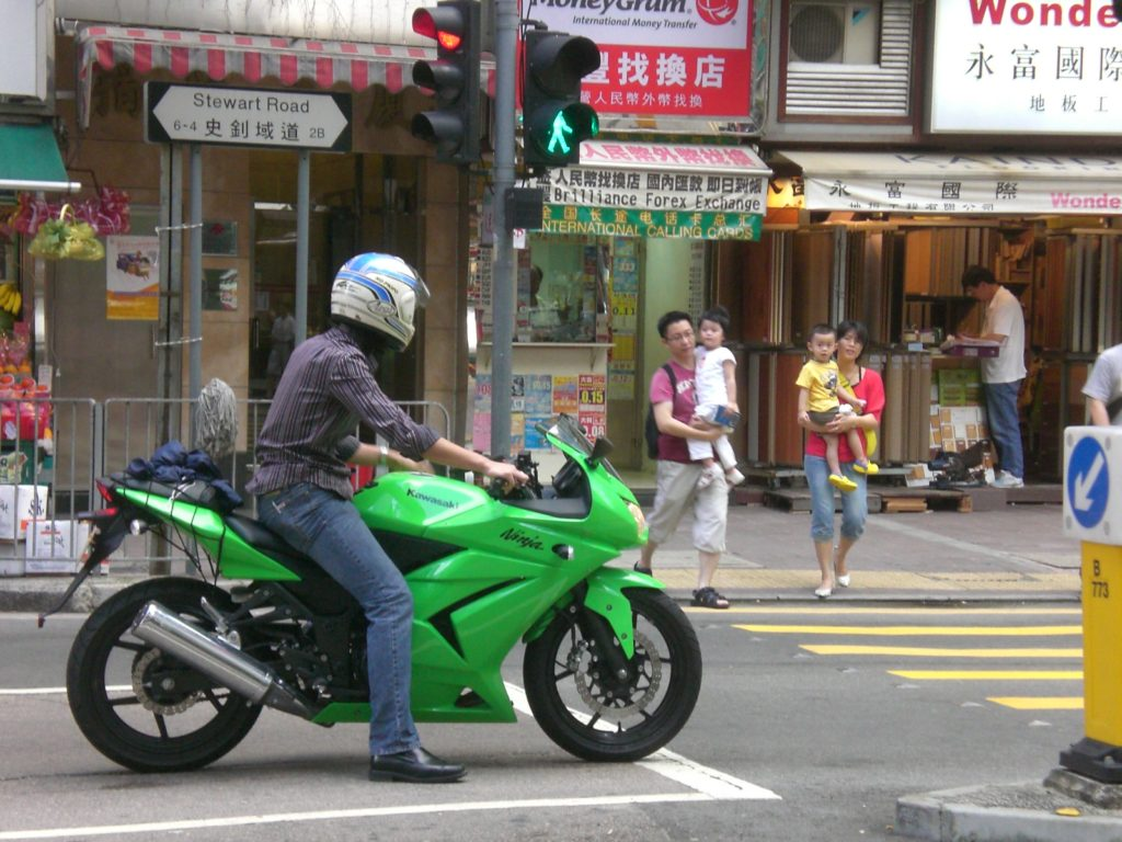 hk_wan_chai_stewart_road_kawasaki_ninja_motorbike_in_green_bn2185