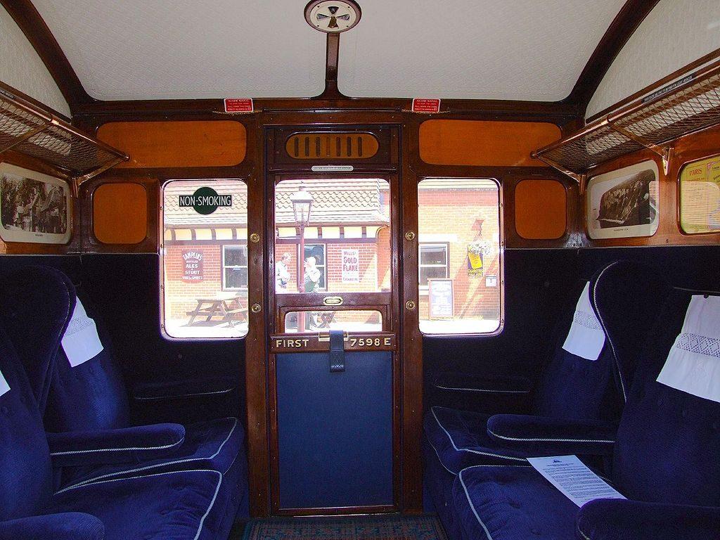 1024px-Bluebell_Railway_First_Class