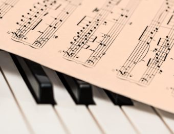 Great online resources for learning how to play a musical instrument