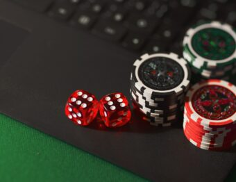 How to turn online gambling to a gameplay streaming?